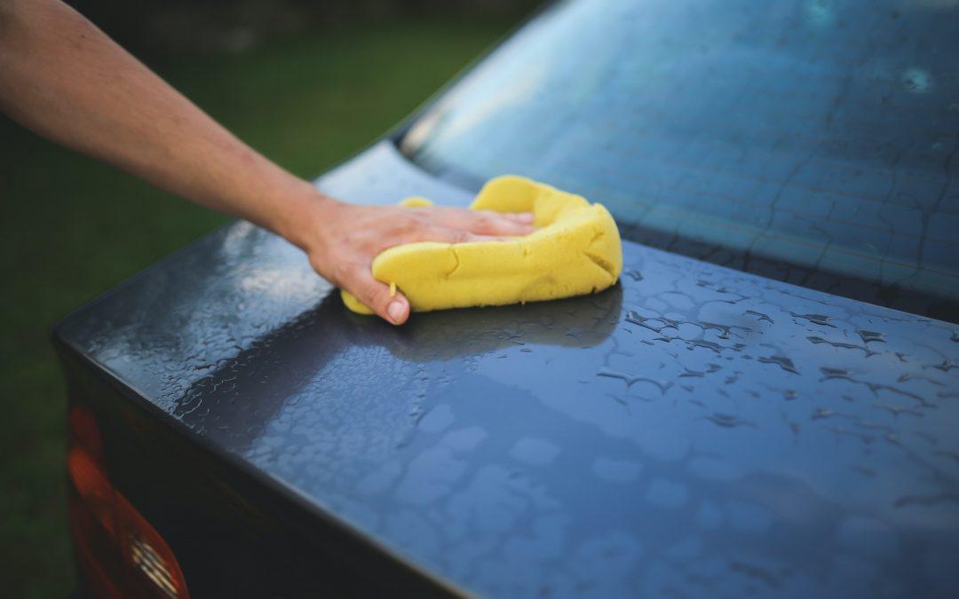 Je auto schoonmaken: een stuk gemakkelijker als hij niet vies wordt