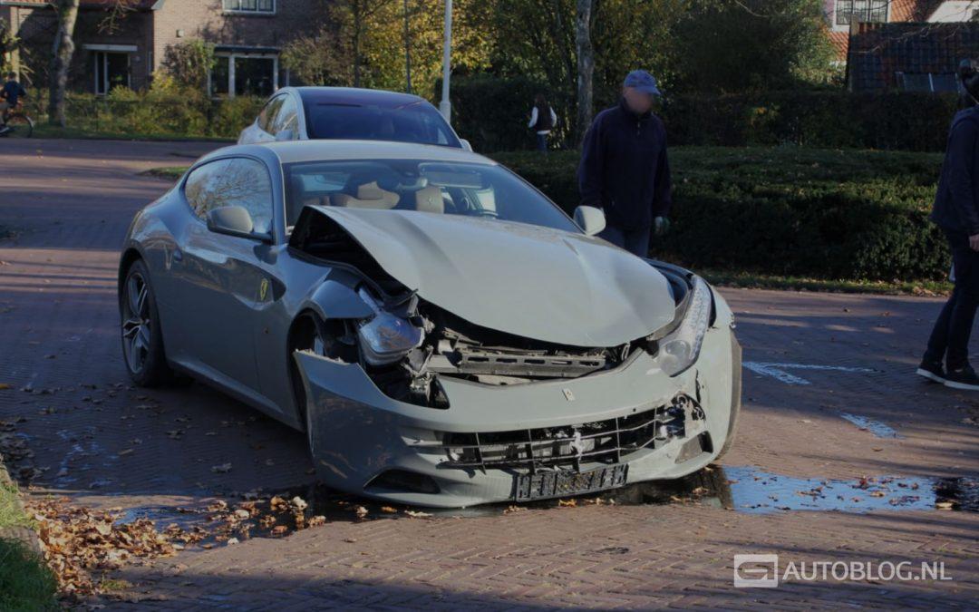 Ferrari FF crasht in Laren – Autoblog.nl