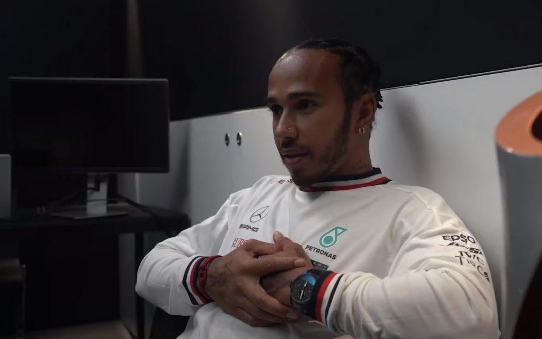 Video – Lewis blikt terug op vandaag en zijn titel – Autoblog.nl