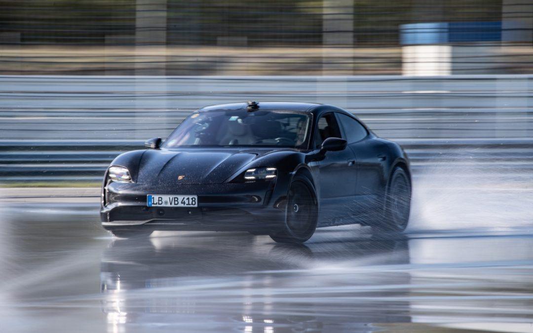 Porsche Taycan drift Guinness World Records boek in – Autoblog.nl
