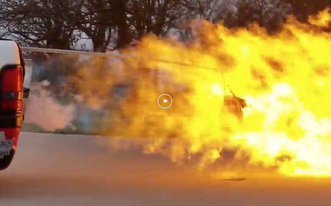 Video – deze auto maakt een barbecue overbodig – Autoblog.nl