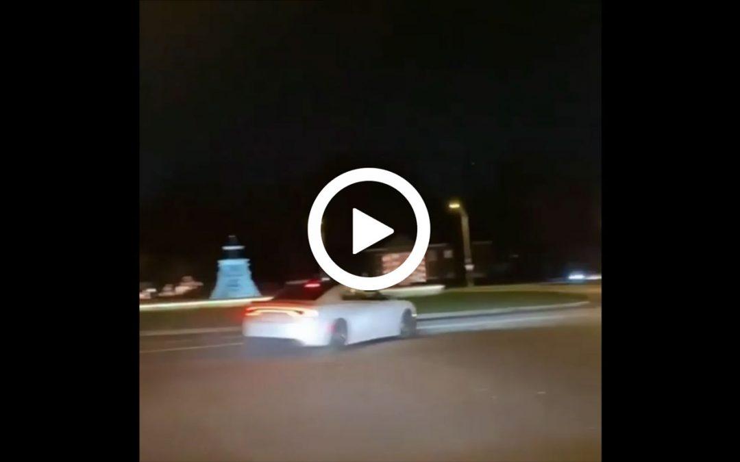 Video – Driftactie met Dodge gaat niet zoals gepland – Autoblog.nl