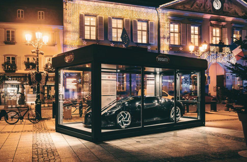Bugatti La Voiture Noire wordt peperdure kerstdecoratie – Autoblog.nl