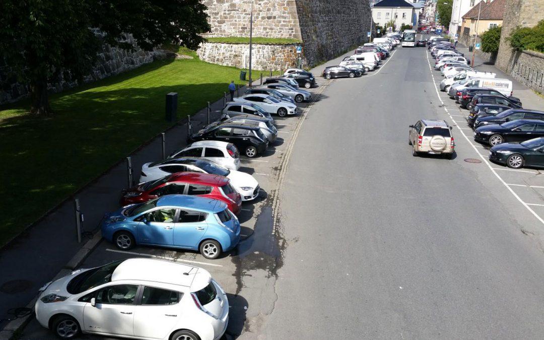 Noorwegen eerste land waar EV beter verkoopt dan benzine + diesel – Autoblog.nl
