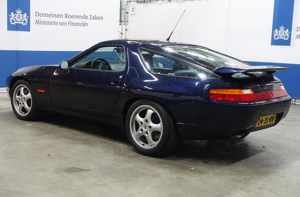 Wie ontfermt zich over deze Porsche 928 GTS? – Autoblog.nl