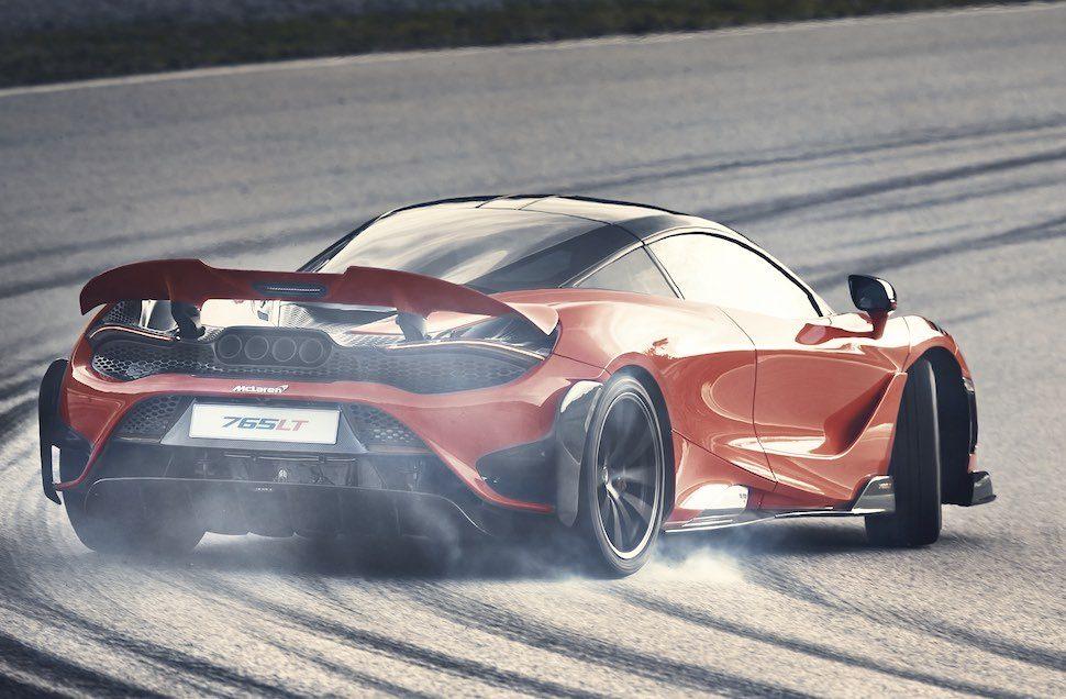 Video – is de Ferrari F8 opgewassen tegen de McLaren 765LT? – Autoblog.nl