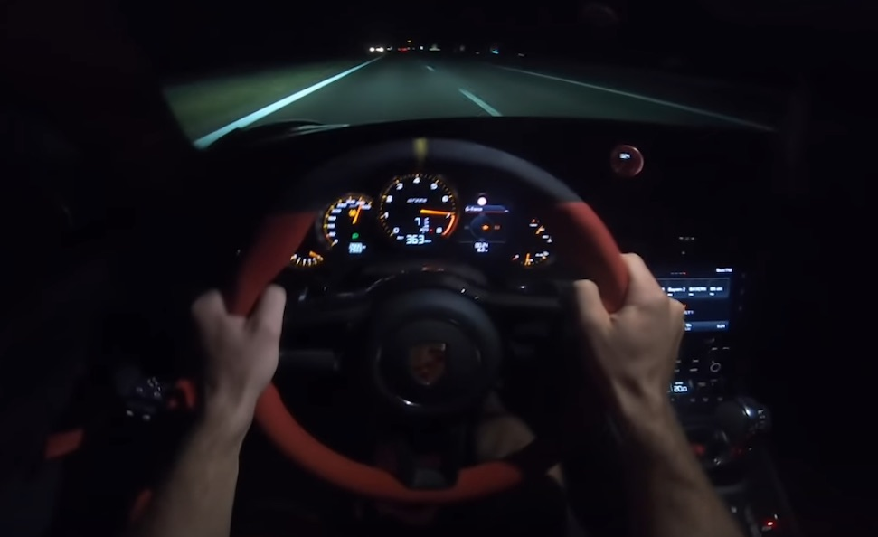 Video: Instagrammer tikt 363 km/u aan in GT2 RS – Autoblog.nl
