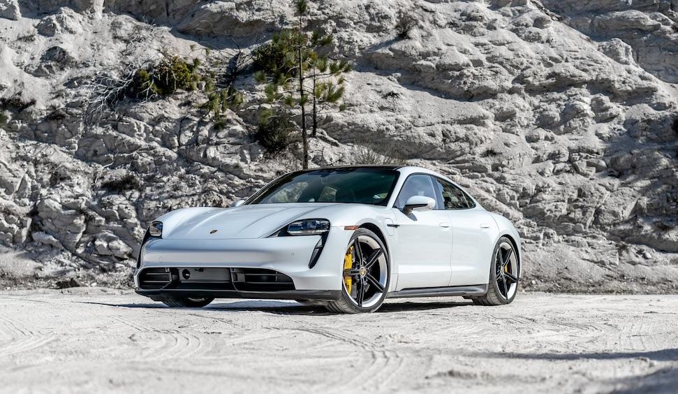 Is dit de nieuwe blubberdikke Porsche van Lewis Hamilton? – Autoblog.nl