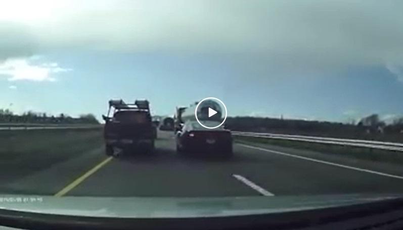 Video – lange verkeersruzie eindigt in dom ongeval – Autoblog.nl