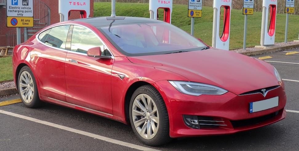 Dikste Tesla Model S komt veel later, wordt veel duurder – Autoblog.nl