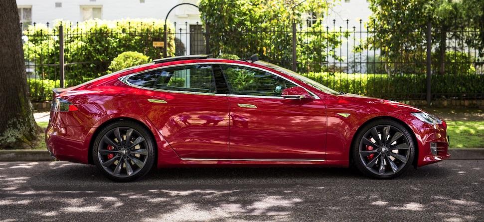 Tesla rijders van de weg geplukt door politie in China – Autoblog.nl