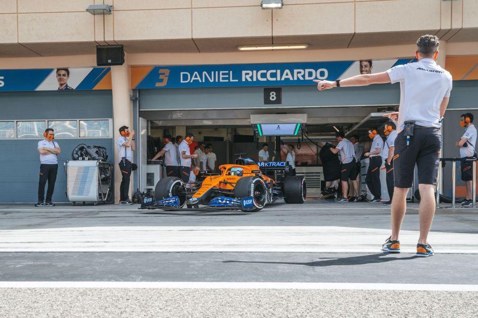 Daniel Ricciardo sluit ook met nieuwe baas weddenschap – Autoblog.nl