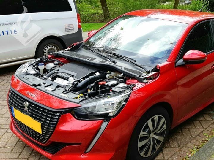 Dieven hebben het voorzien op motorkappen van Peugeot – Autoblog.nl