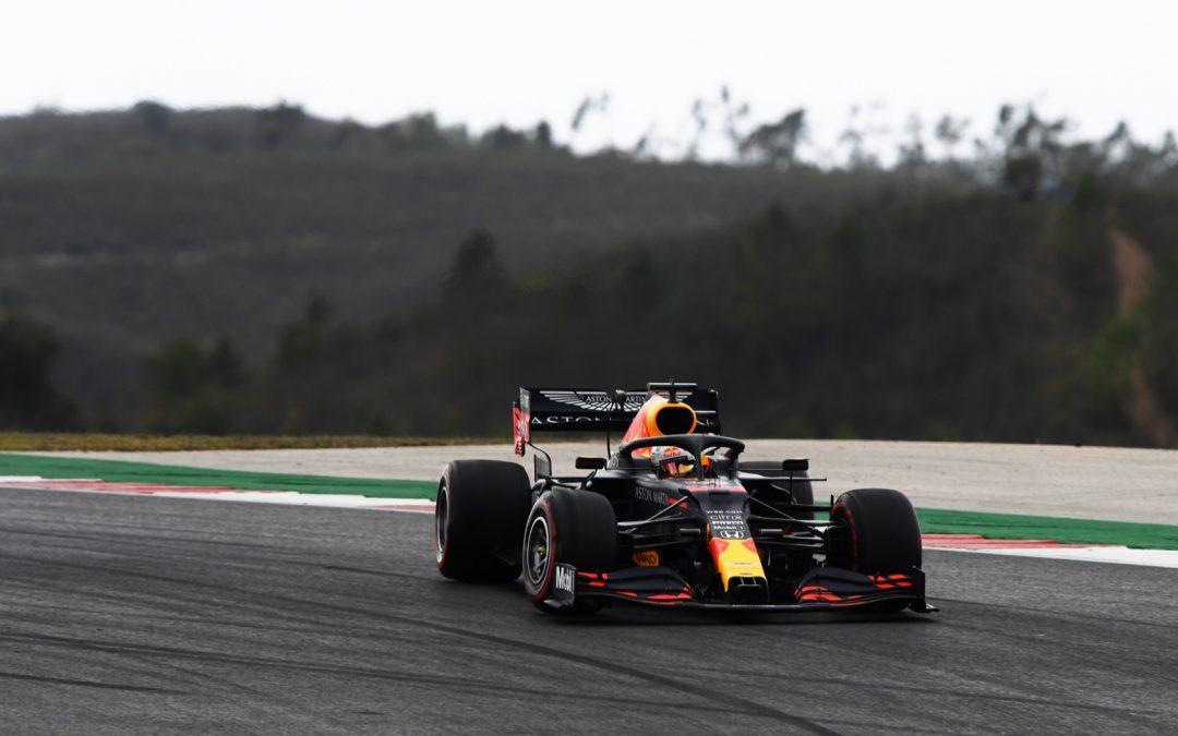 Video: Verstappen pakt Hamilton – Autoblog.nl