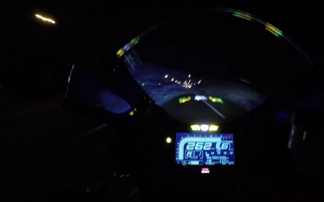 Video – Dit zijn de risico's van (veel) te hard rijden op een motor – Autoblog.nl