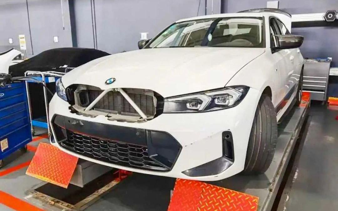 Gelekt: BMW 3 Serie laat zijn nieuwe snuit zien
