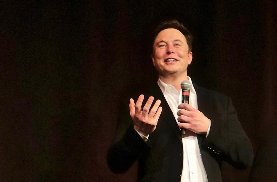 Elon Musk moet mogelijk ruim twee miljard aftikken – Autoblog.nl