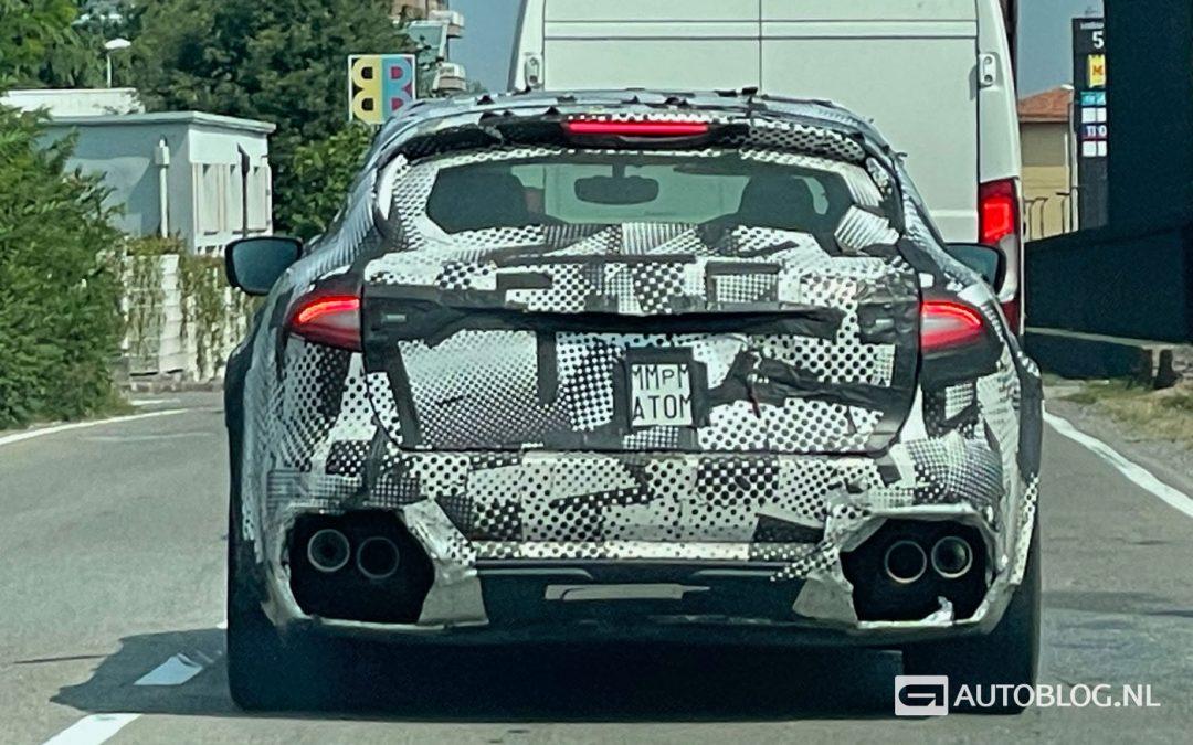 Ferrari SUV mag buitenspelen, vermomd als Maserati