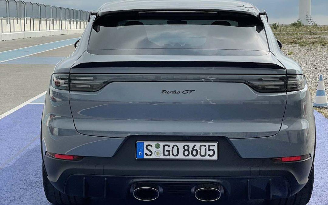 Porsche Cayenne Turbo GT rijtest video