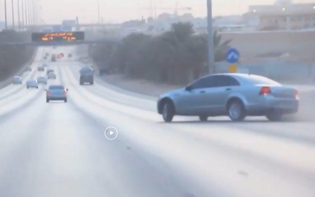 Video: achterbanden opwarmen op de snelweg