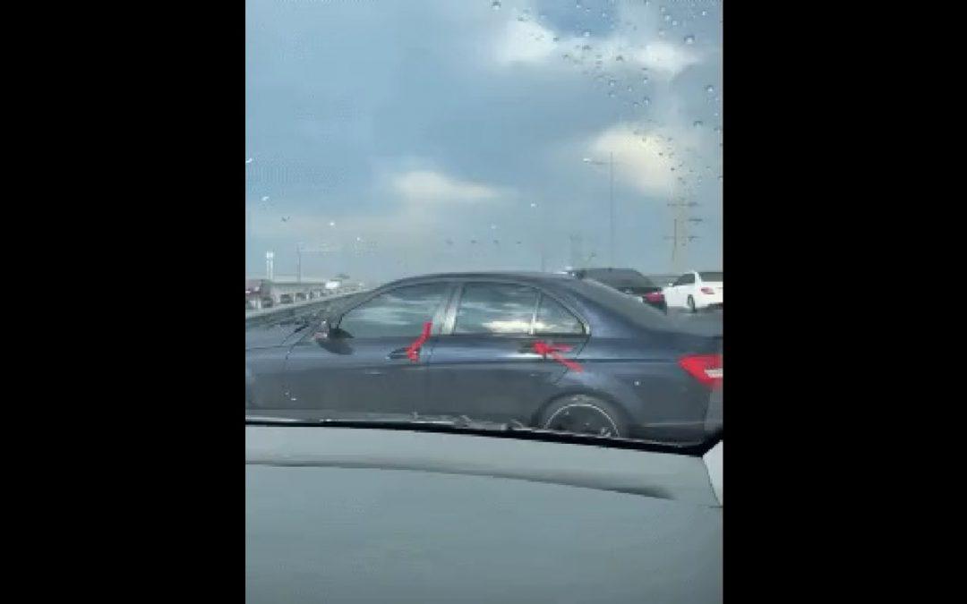 Video: Nep-AMG rijder heeft zijn lesje niet geleerd