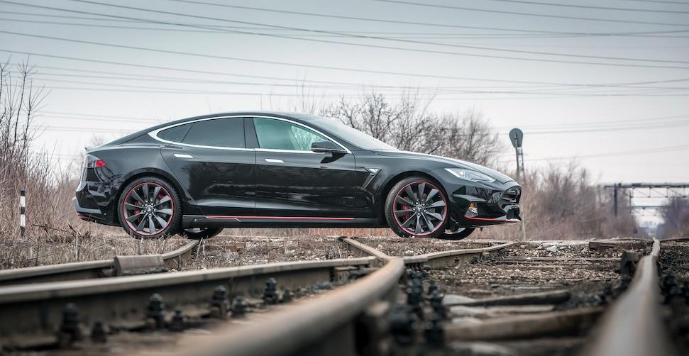 Tesla maakt rommeltje van levering Model S, klanten klagen
