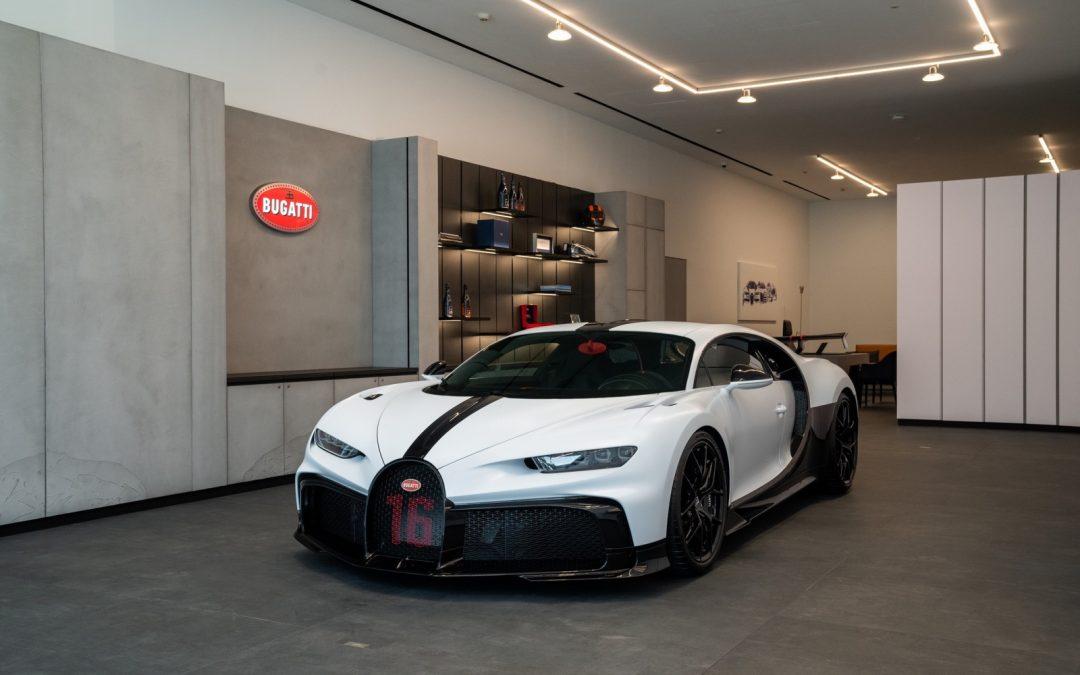 Bugatti opent showroom op zeer bijzondere plek