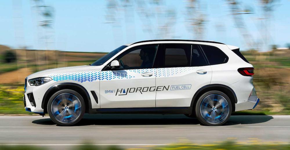 Maak binnenkort een ritje in een BMW iX5 op waterstof