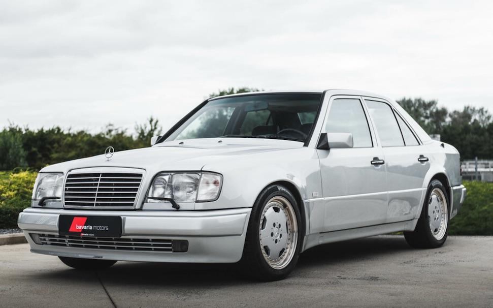 Koop deze afgedankte taxi voor ruim 130.000 Euro