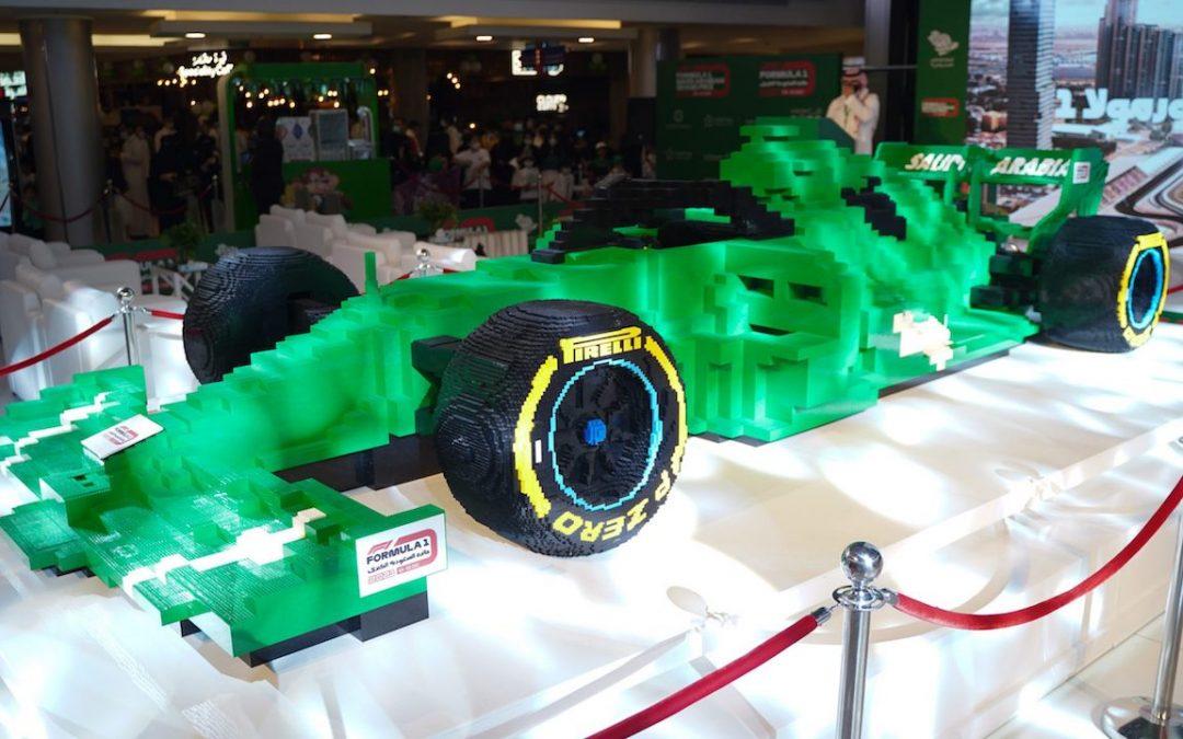 Video: grootste F1-auto van Lego ter wereld