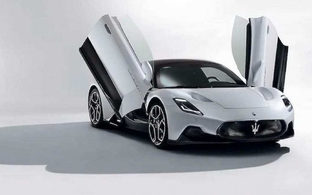 Video: volgas op autobahn met de Maserati MC20