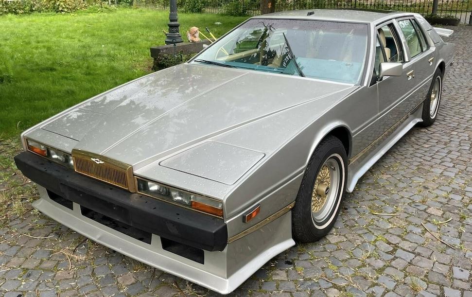 Koop de Aston Martin Lagonda van Saddam Hussein