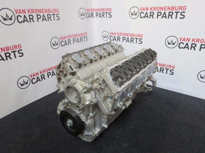 In welke auto zou jij deze 8.0 V10 motor leggen?